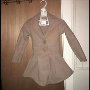 Adorable Sz.2 or 18/24M trench Coat Brand New